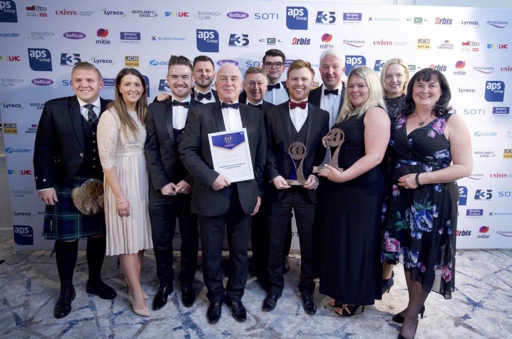 Multiplex Construction ltd and University of Glasgow winning GO Excellence Award